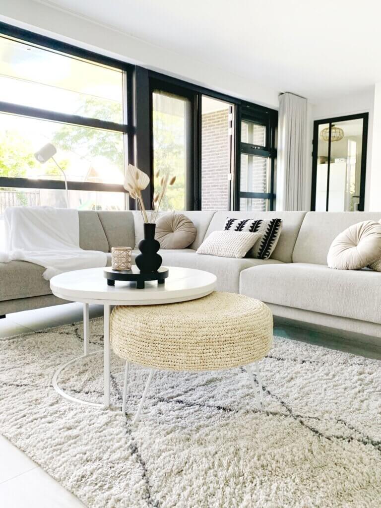 woonkamer thuisstijl scandinavisch minimalistisch basic monochroom