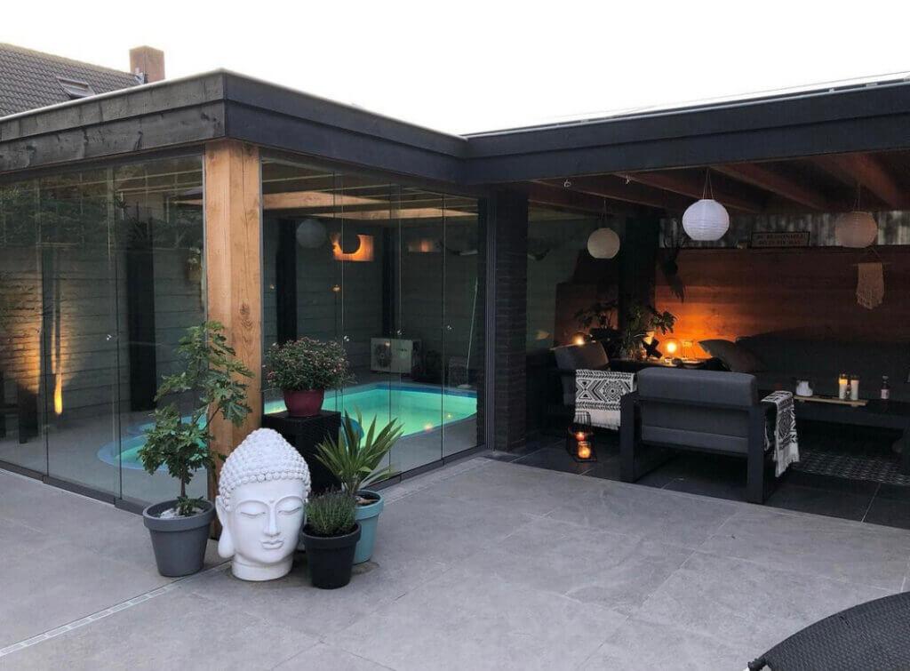 tuinkamer veranda overkapping styling inrichting zwembad