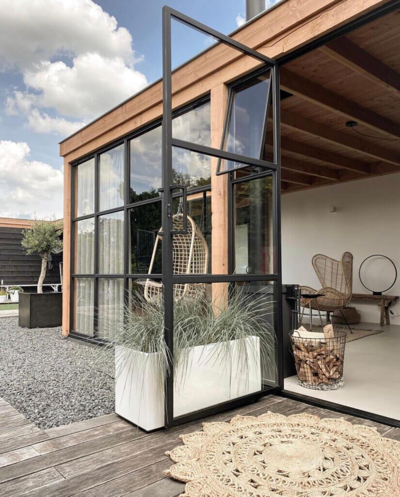 tuinkamer veranda overkapping styling inrichting vloer