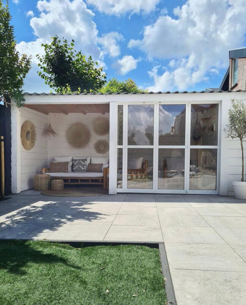 tuinkamer veranda overkapping styling inrichting tuinmeubelen