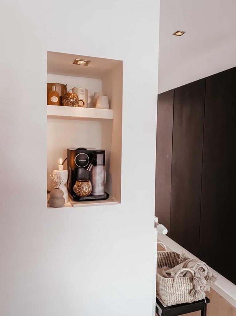 coffee corner nis in muur